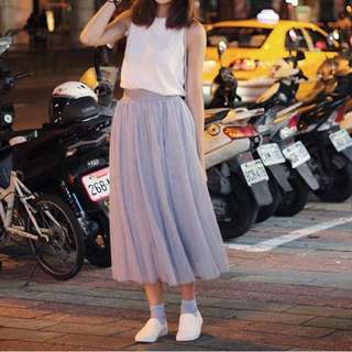 Tulle maxi skirt (Available in lilac and white)