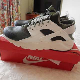 Nike Air Huarache Run Ultra SE mens shoes, size 13 US, brand new in box