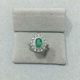 純銀鍍白金綠寶石戒指