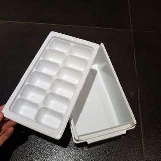 Ice maker & tray