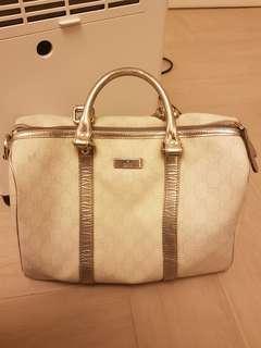 Gucci白皮手拎袋