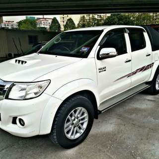 Toyota Hilux 3.0 (A) 2015
