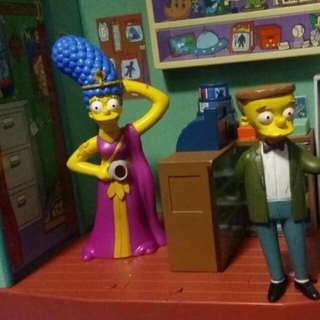 Simpsons book shop