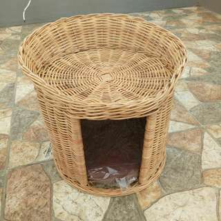 Kandang kucing (bahan rotan +free bantal)