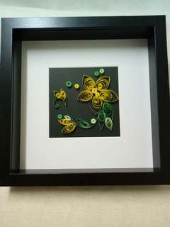 Framed flower paper quilling wall decoration