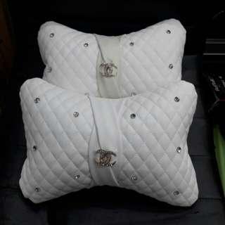 Bantal leher mobil elegant chanell white putih