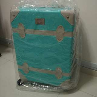 Thomson Medical luggage