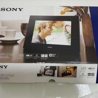 Sony Digital Photo Frame DPF-D1020