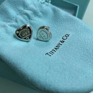 RETURN TO TIFFANY™ 迷你心形吊飾耳環