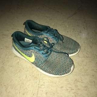 Nike free run neon