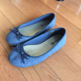 Pair of blue fabric flats