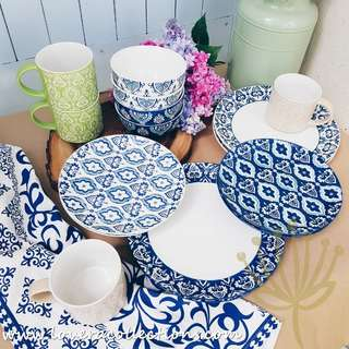 Moroccan Embossed Blue / White Dinnerware Collection