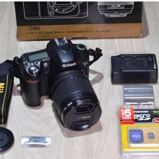 Nikon D80 Camera + Zoom Lens 18-135mm + SB600