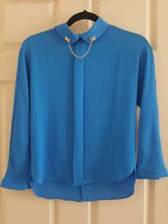 Sweet blue blouse with chain detail