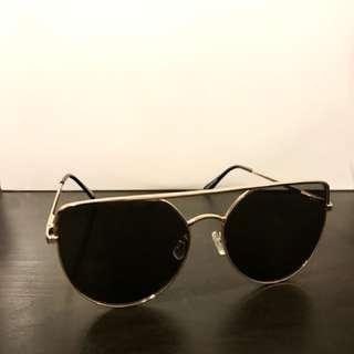 MINK PINK - Black / Gold Sunglasses