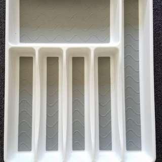 Utensil/cutlery tray