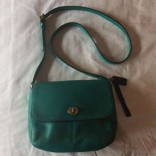 Like New Coach Park Pebbled Leather Turnlock Crossbody TEAL GREEN