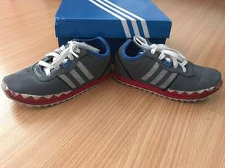 Addidas toddler shoes rubber sole size 8 1/2