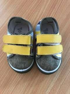 Tough kids baby shoes size 19