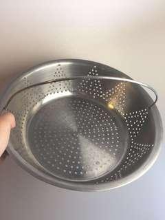 Draining dish/ sieve