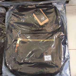 Herschel Bag (Black)