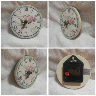 Vintage Gisela Graham Jardin Wall Clock