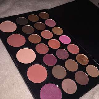 BH Cosmetics Blushed Neutrals Palette