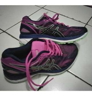 F08 - Sepatu Asic