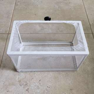 Breeding box separation tank