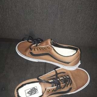 jual langsung 2 sepatu nike huarache dan vans oldskool brown RARE!!