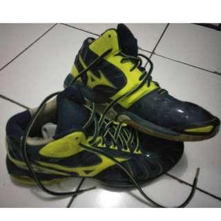 f08-Sepatu Volley Mizuno Wave Tornado 10