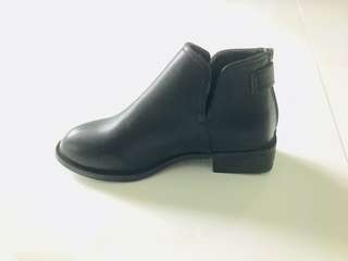Brand New Winter Boots (Synthetic Leather)