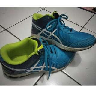 f08-Sepatu Volley PROFESSIONAL Runner