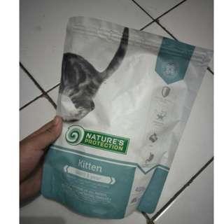 f08-Makanan Kucing Nature's Protection untuk Umur Dibawah 1 Tahun