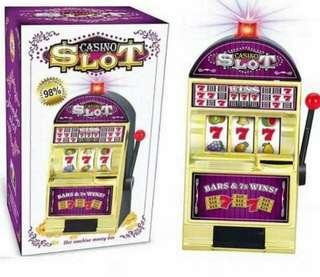 Electronic casino slot machine toy