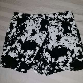 Printed shorts with flap like skirt