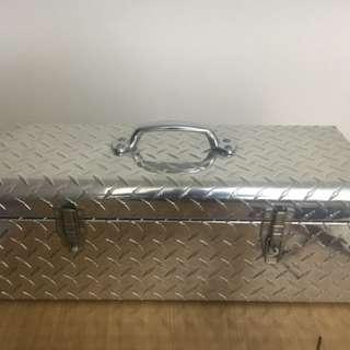 工具行李箱