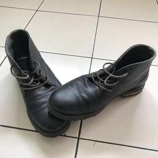Sepatu boot kulit rockport authentic size 43