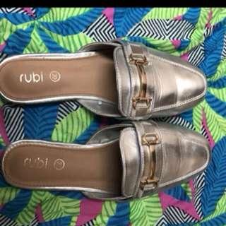 Sandal Rubi 39