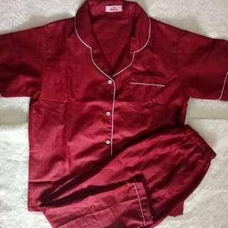 Piyama maroon celana