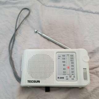TECSUN 收音機