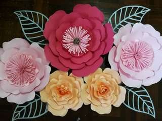 Paper Flowers Wall Décor backdrop