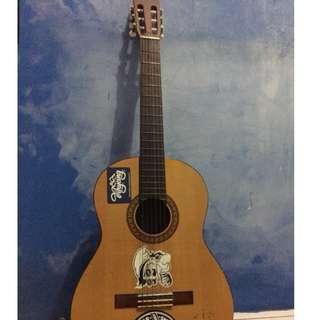 f10-Gitar Yamaha