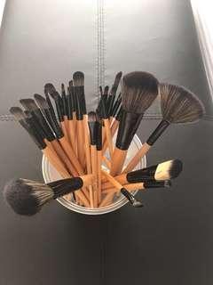 Makeup brushes !