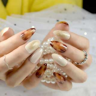 Brown Pattern Pointed Fake Nails Off-white Artificial False Finger Nail Tips Glitter Decoration Nail Art Tip