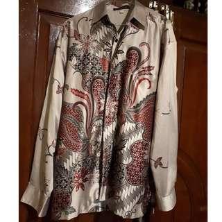 E02-Baju Batik