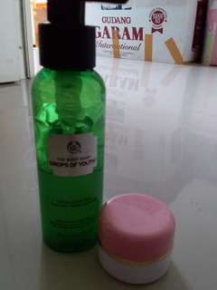 Body shop drops of youth ( share in jar)