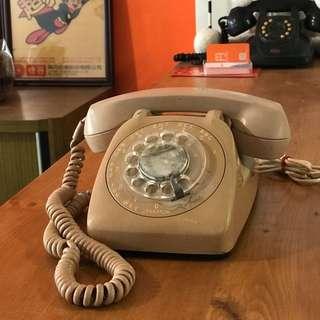 「早期美式轉盤電話 」  早期 古董 復古 懷舊 稀少 有緣 大同寶寶 黑松 沙士 鐵件 40年 50年