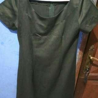 Dress hijau lumut renda