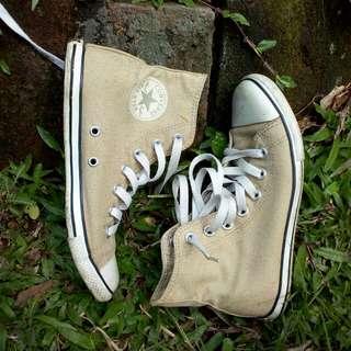 Preloved Sepatu Original Converse high